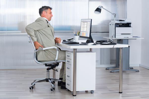 Douleurs dorsales au bureau